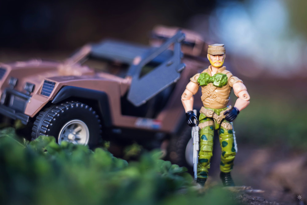 go-joe-rock-n-roll-vamp-jeep-toy-action-figure-photo-photography