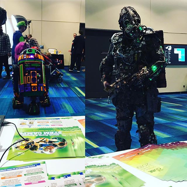 We are at #torontoComicon this weekend, some interesting visitors to our booth.  See us in the family zone for our #ozobot workshop : )🤖 . . . . . #toronto #kids #stem #stemcamps