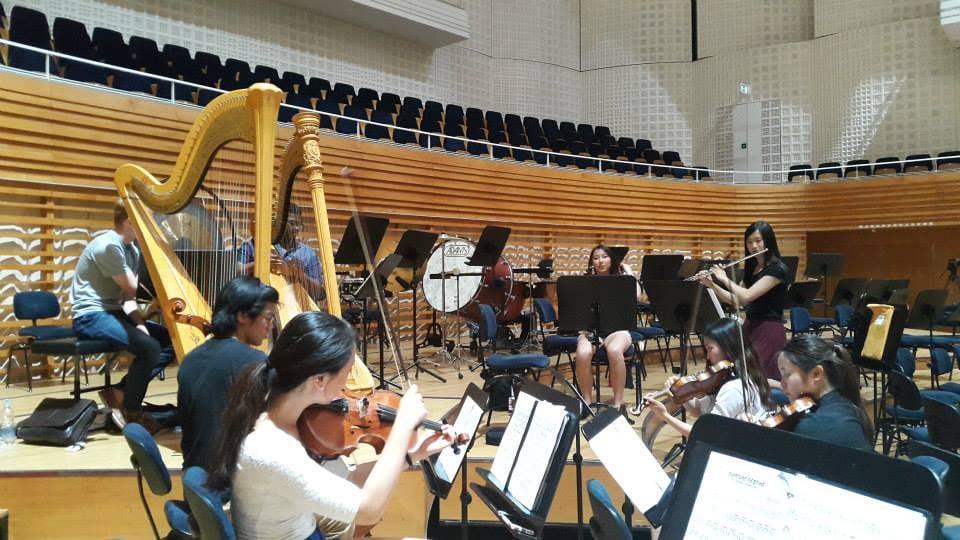 RehearsingRavelatLucerne.jpg