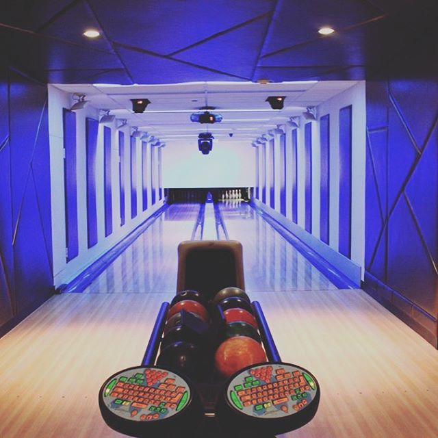 Grab your balls. We're going #bowling. 🎳 🗓October 17 @7pm 📍@framesnyc: 550 9th 🍻? YES 🍢? YES 🎉? YES 🎟? Link in profile