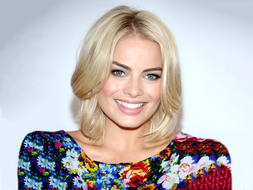 Margot-Robbie-Smile-full-hd-wallpaper-1920x1440.jpg