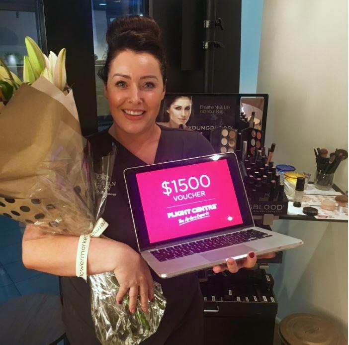 Hazel Neilon accepting her $1500 prize