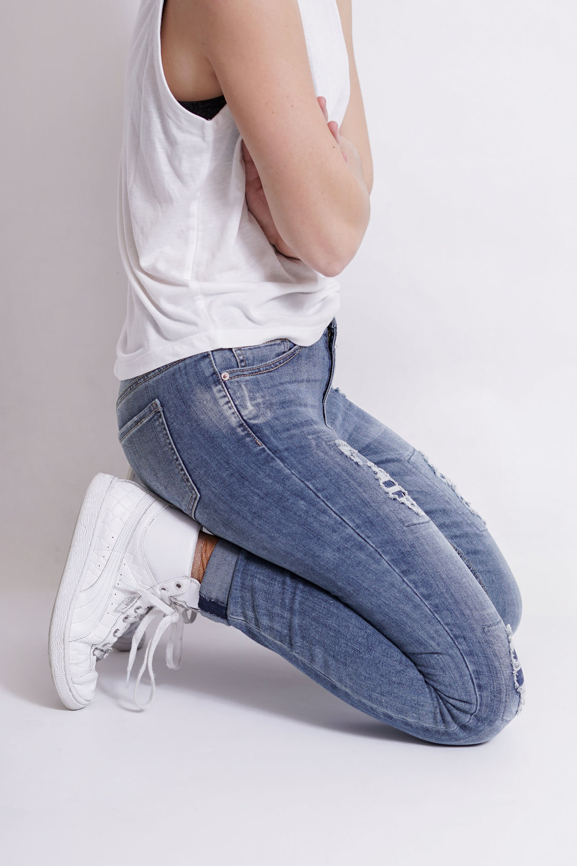 Distressed Jeans_V20758-1_Blue_Half Side.jpg
