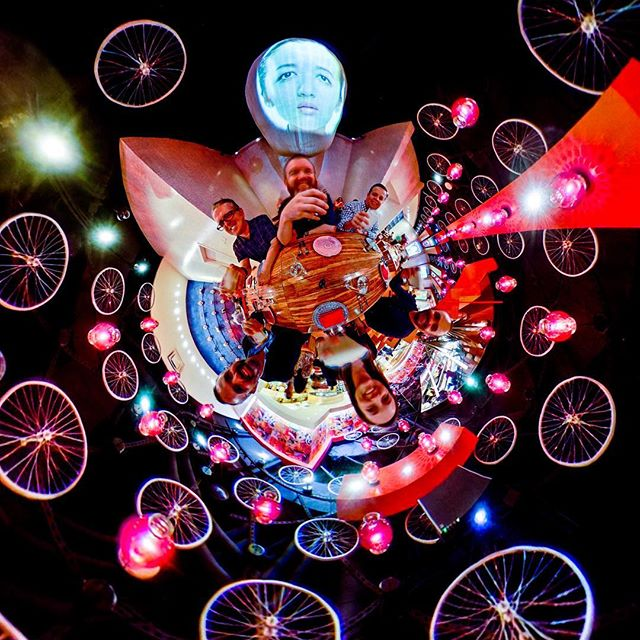 Along for the ride. . . . @redpegmarketing #360 #360sphere #photosphere #littleplanet #tinyplanet #360planet #ricohtheta #ricohthetas #theta360 #theta360official #photography #360photo #lifeis360 #lifein360 #the360experience #experiencedesign #immersive #lasvegas #cosmopolitanlasvegas #chinapoblana