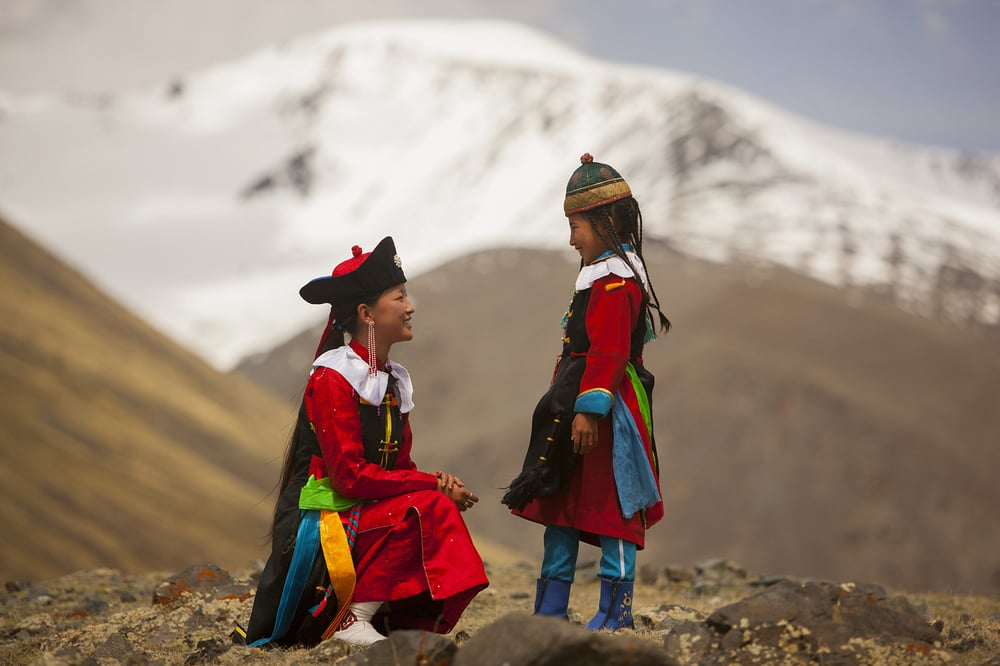 Ethnic girls photo by Uilsee Togol