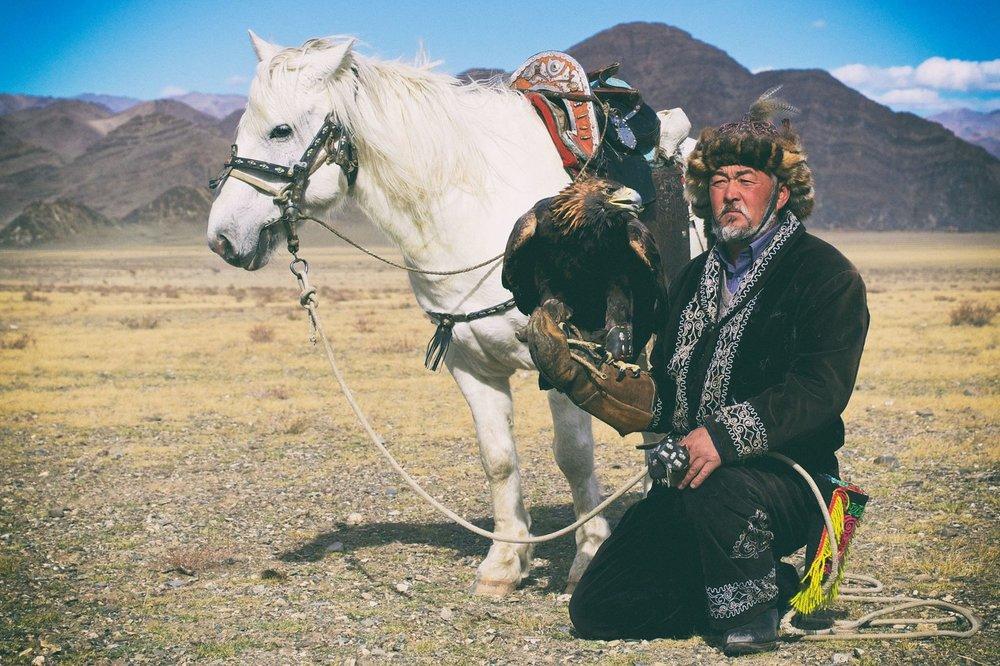 Horse Trek towards Eagle Hunter's Home -