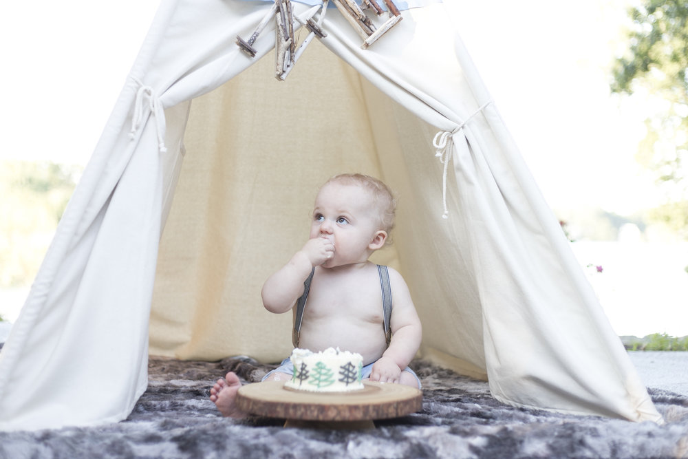 first birthday with teepee