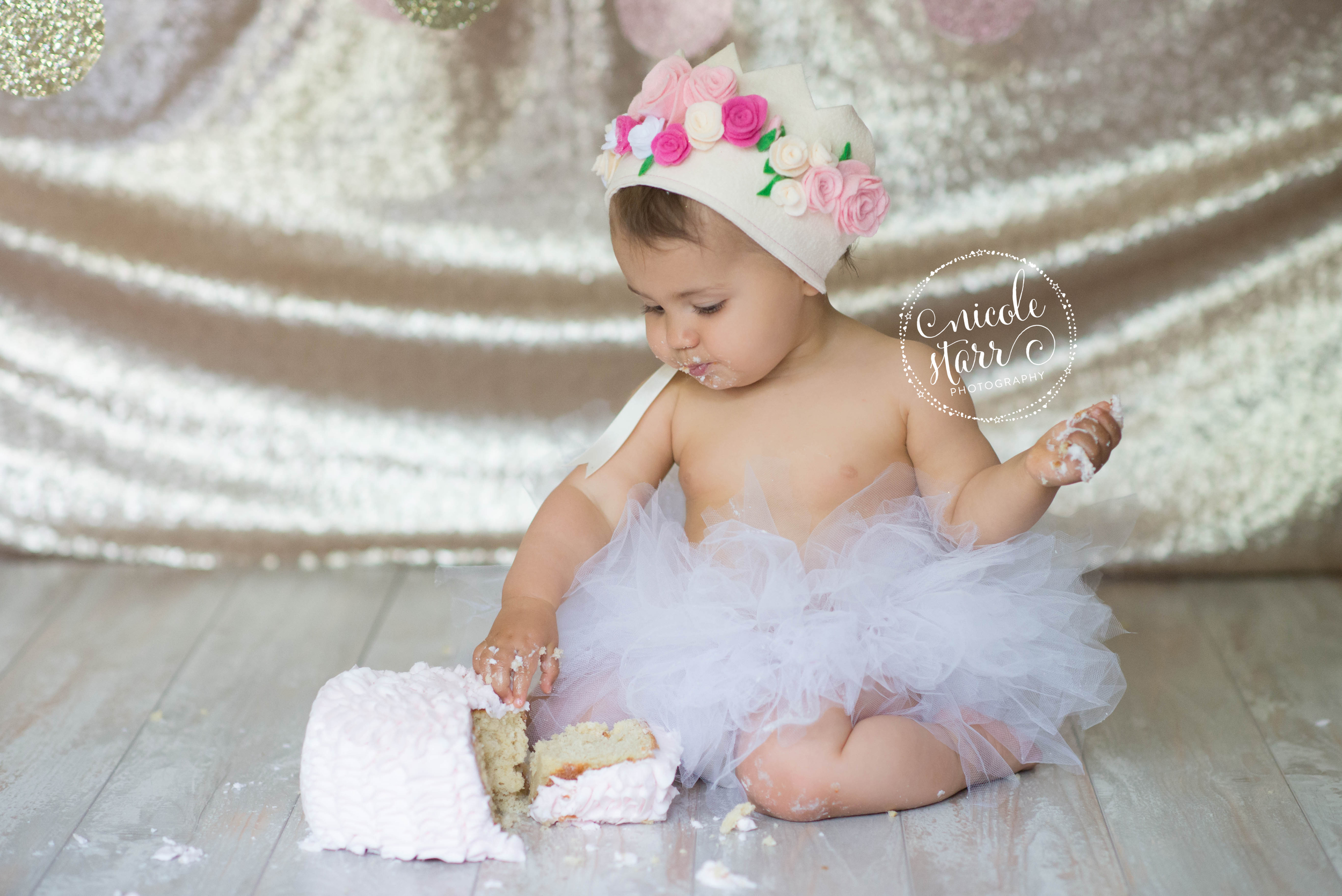 cake smash for a blush and gold theme
