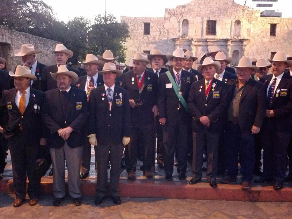 Every year at 5:30 AM organizations from all of the state, joined in their love for Texas History, come to pay homage to those who lost their lives at the Battle Of The Alamo. The Alamo Chapter SRT is one of those groups, & as the sun rises on March 6th, our members place a wreath in front of the Church at Alamo Plaza.