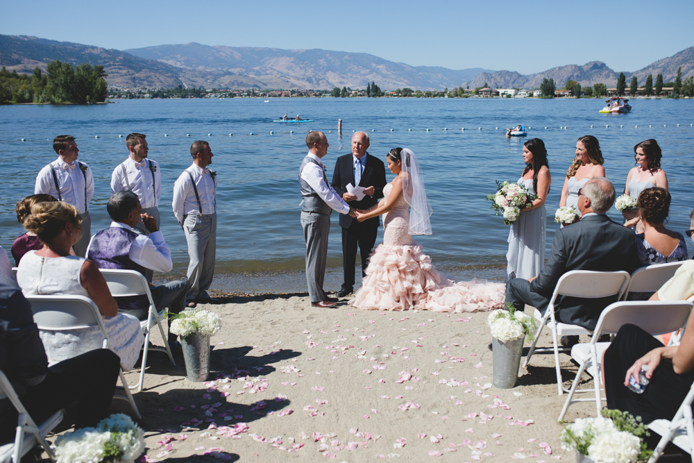 Osoyoos Wedding Photographer-33.jpg