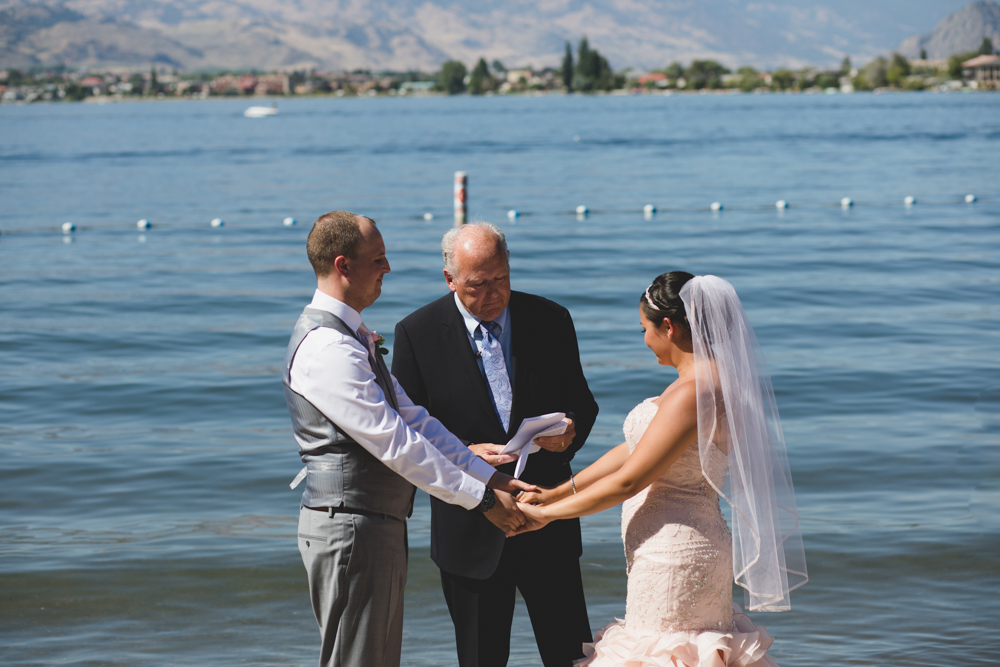 Osoyoos Wedding Photographer-34.jpg