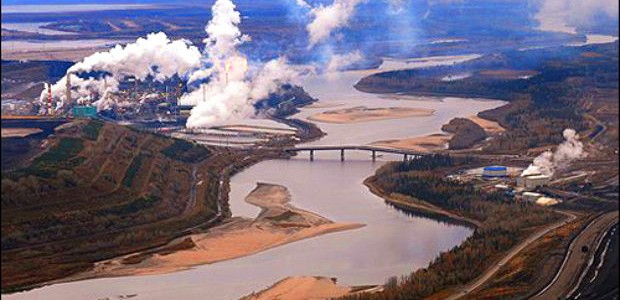 Suncor & Athabasca River. (Credit:  My McMurray )