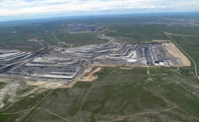 Looking south over the world's largest coal mine, the Black Thunder Mine in the Powder River Basin, 2012. (Credit: Ecoflight)