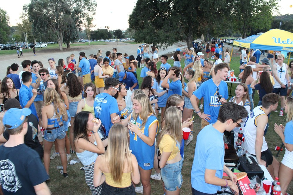 Tailgate with Chi Omega