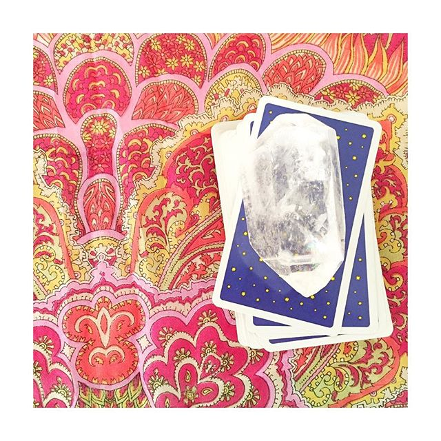 Tiempos de rituales mágicos 🔮 Thankful for the kind and magic #tarot reading @the13thsister You are pure light , MAESTRA ✨