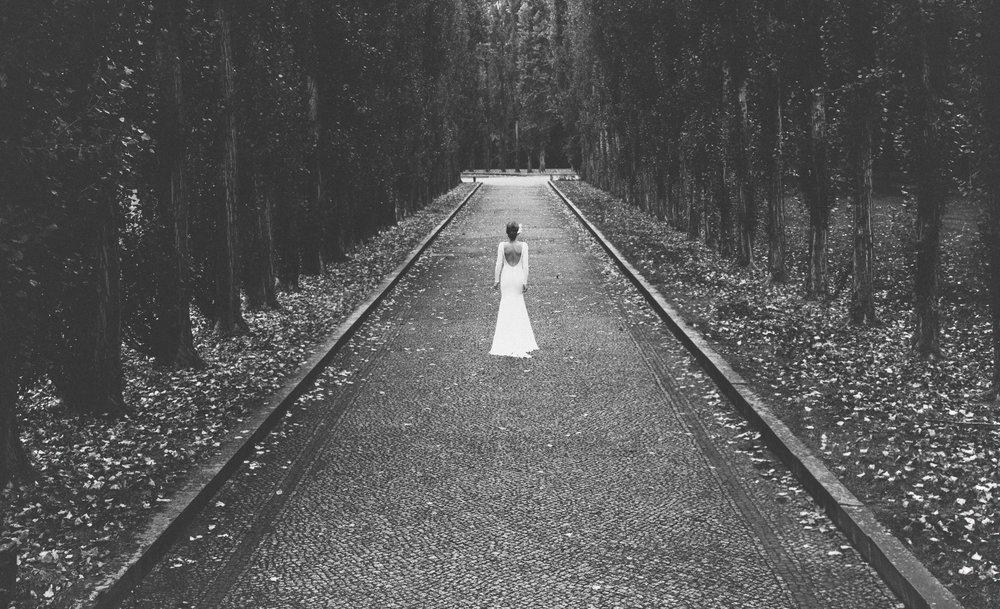 LostinBerlin_BridalEditorial_AK_theLane redone-15.jpg