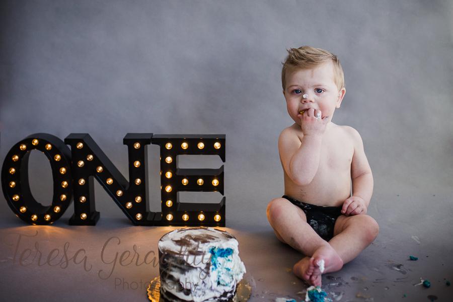 Cake smash photographer in Nassau County
