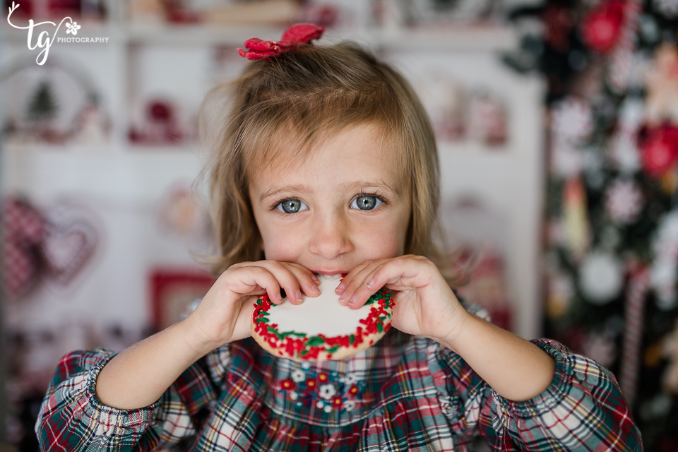 fun children's holiday photo session