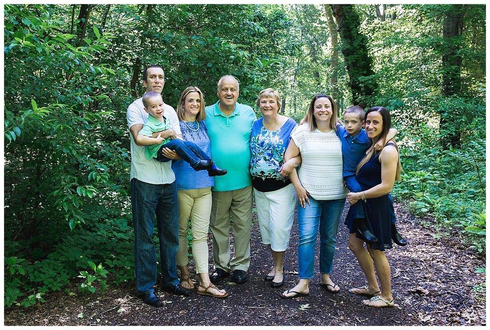 Photographer for outdoor family photos