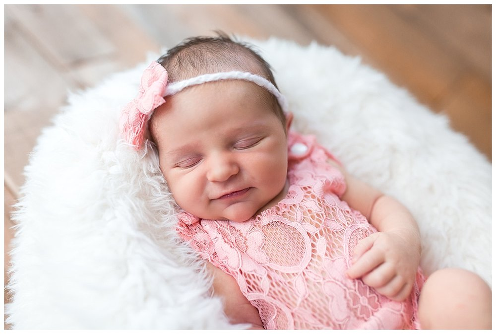 simple and classic newborn photos