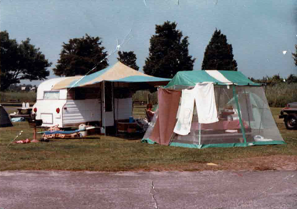 Vintage photo of a 1969 Playmor camper