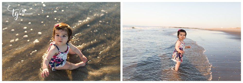 candid beach kids photos