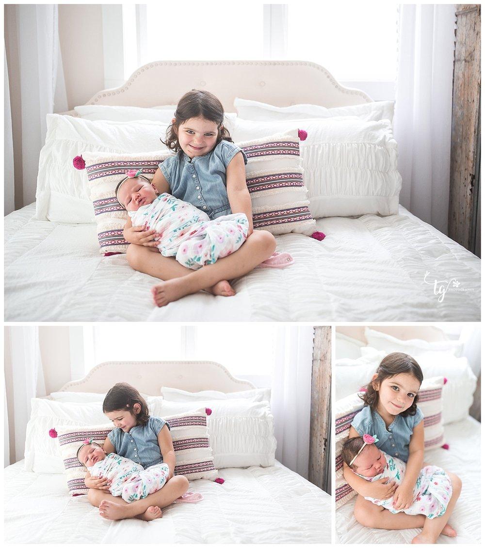 photographer for unique natural newborn photos