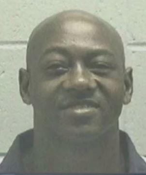 """""""Tim"""" Foster ermorderte im Alter von 18 Jahren eine 79-jährige Witwe. Der Supreme Court stellte fest, dass die Staatsanwaltschaft bei der Auswahl der Juroren rassistisch vorging."""