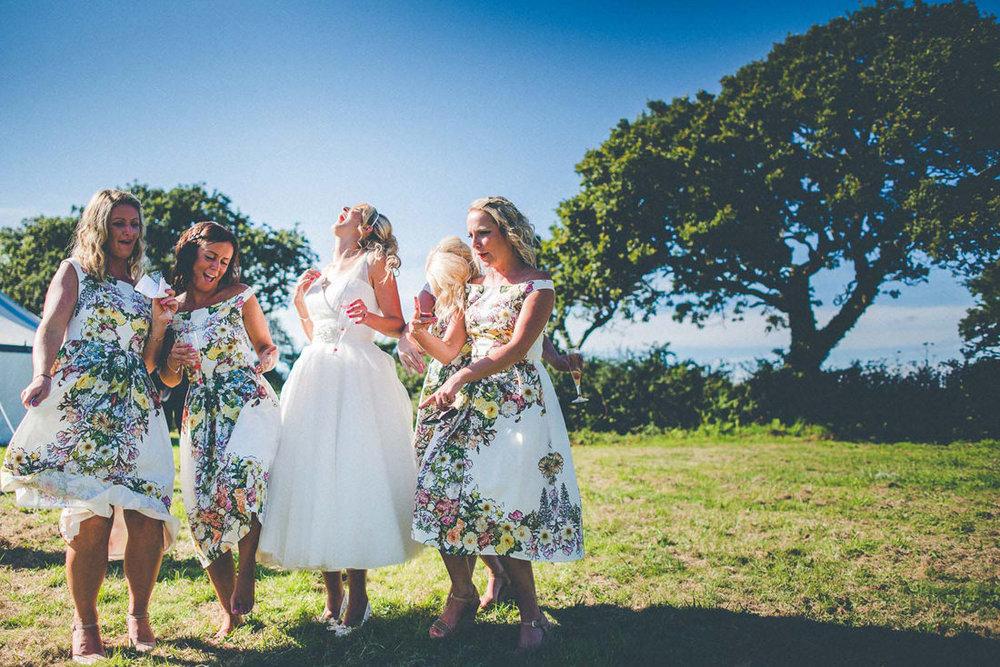 wedding-photographer-cornwall-group-photo.jpg