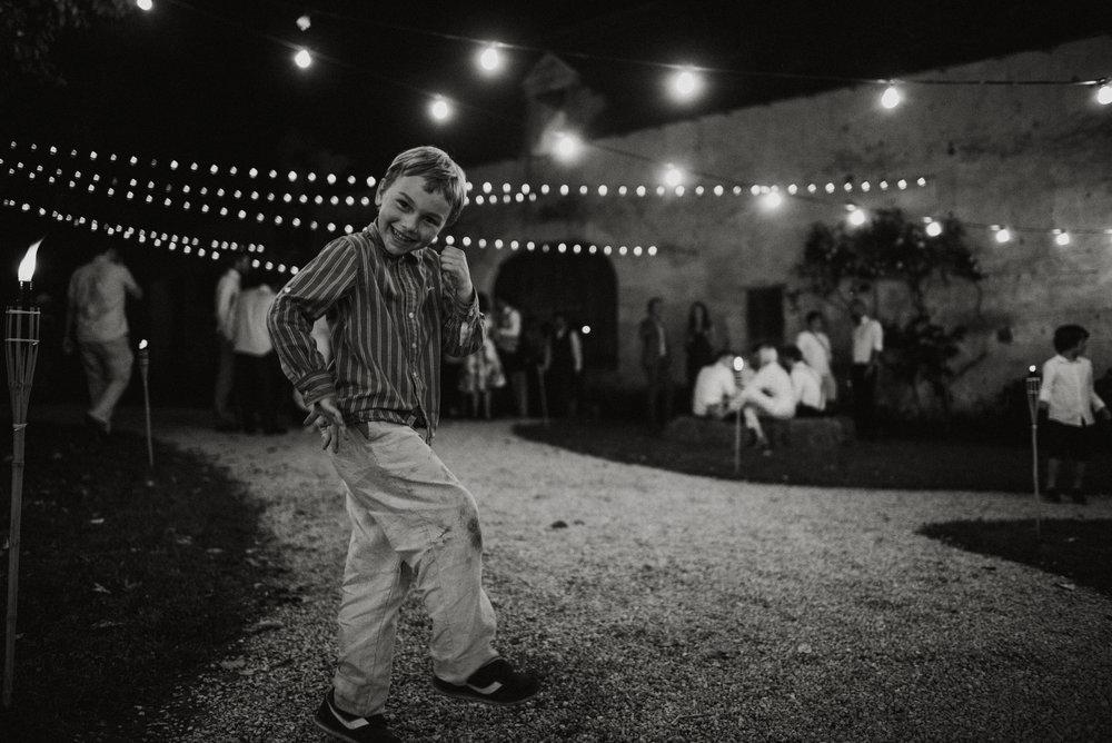 wedding-photographer-dordogne-mark-shaw-85.jpg