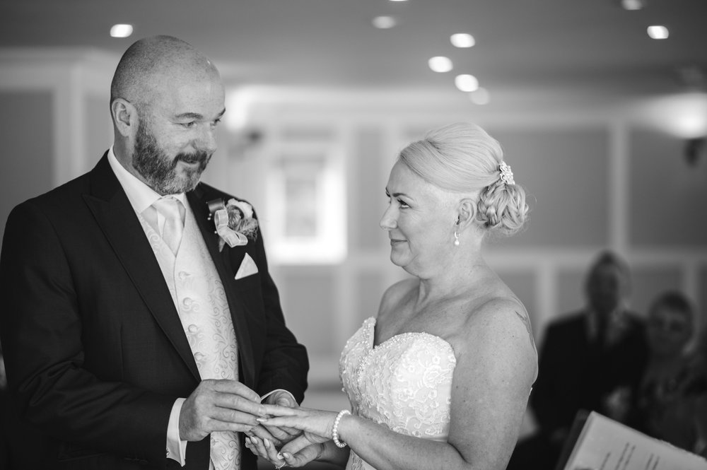 wedding-photographer-falmouth-greenbank-13.jpg