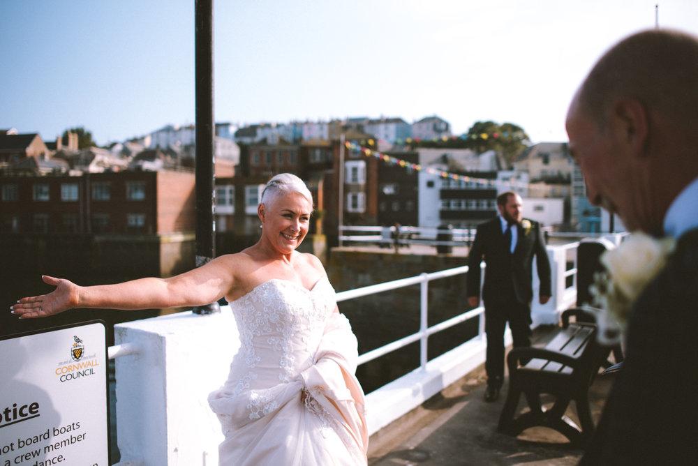 wedding-photographer-falmouth-greenbank-41.jpg