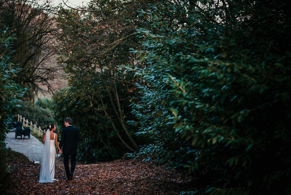 Paschoe-House-Wedding-Photographer-31.jpg
