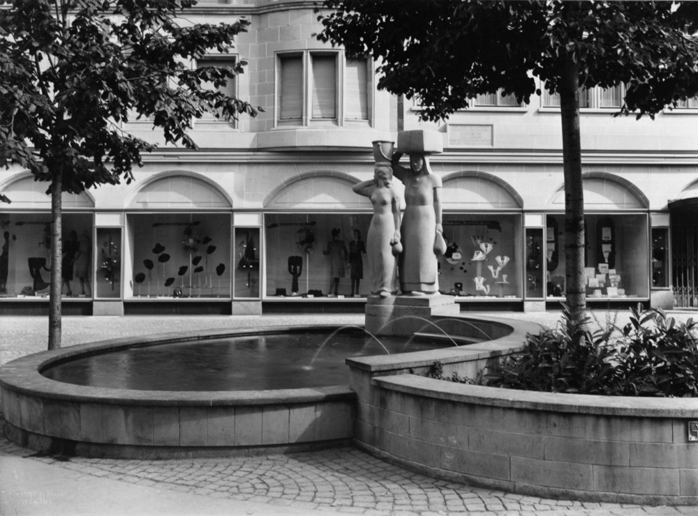 Meier_Wilhelm_Globusbrunnen_1941_Ansicht_3.jpg