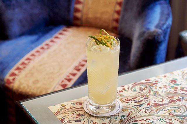 Friday night Summer cocktails in the Bar at George . . . . #georgemayfair #mountstreet #mayfair #cocktails #summercocktails #lifeonmountstreet #birleyclubs