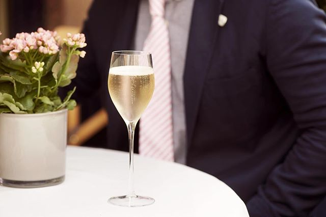 Tonight Members can take advantage of Monday's wine offer at @georgemayfair starting with a chilled glass of Champagne . . . . #GeorgeMayfair #MountStreet #Mayfair #lifeonmountstreet #Champagne #summerinthecity #birleyclubs #wineoffer