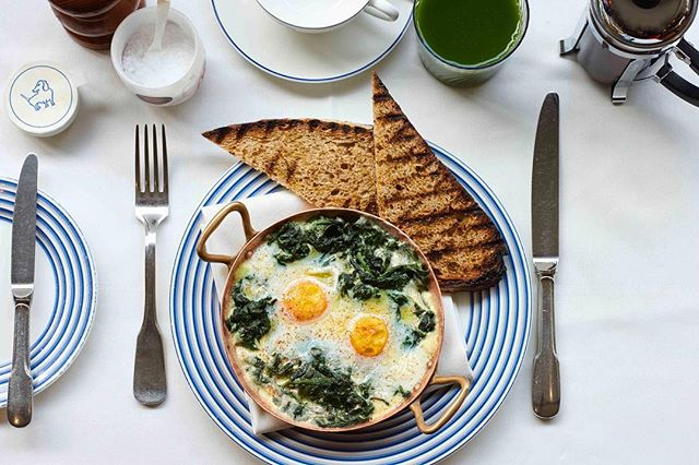 Eggs Florentine, George style  #BreakfastatGeorge . . . . #georgemayfair #mountstreet #mayfair #eggsflorentine #lifeonmountstreet #birleyclubs #summerinlondon #summerinthecity