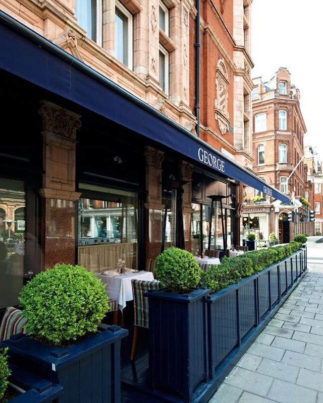 Where better to enjoy the last of the summer sunshine than on the Terrace @georgemayfair . . . #georgemayfair #mountstreet #mayfair #alfresco #birleyclubs