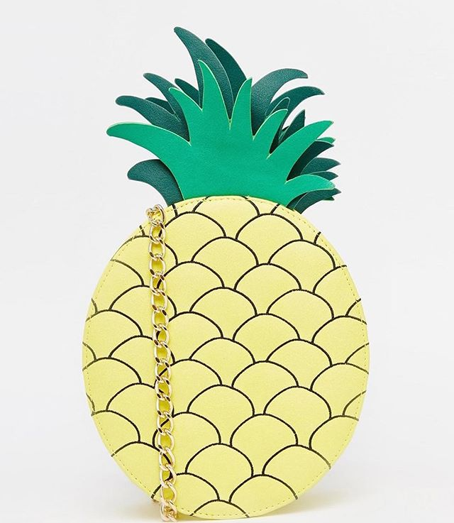 also this @skinnydiplondon 🍍 bag is on sale right now!!!!!!😍 link in profile😜