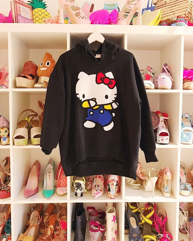 omg.  30% off hello kitty (and everything else) at asos right now! link in my profile!💕🐱🌈