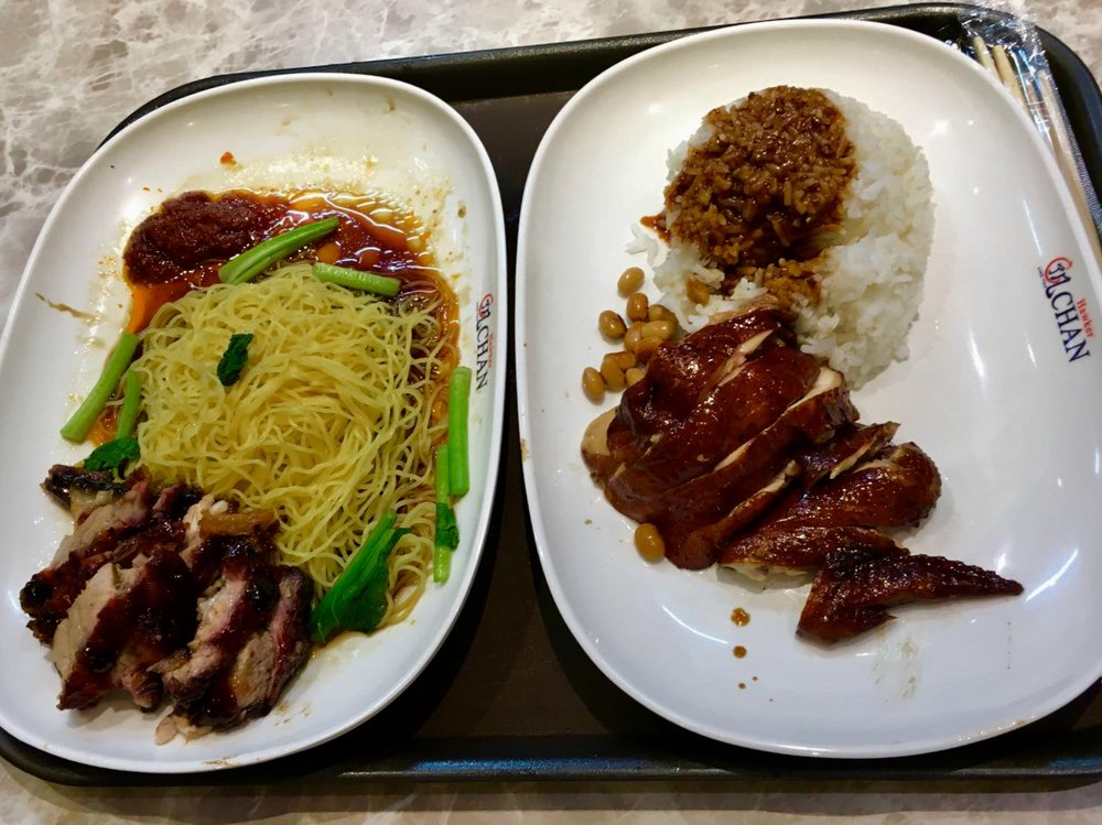 Soya Sauce Chicken Rice (destra) e Pork Rib Noodle