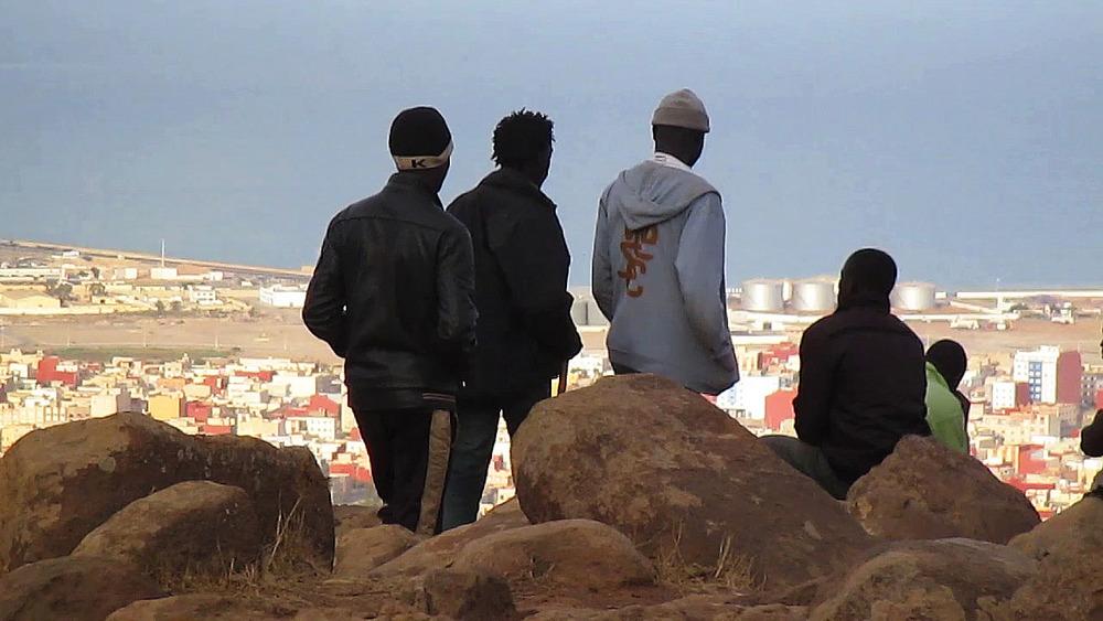5_Looking at Melilla_LES SAUTEURS.jpg
