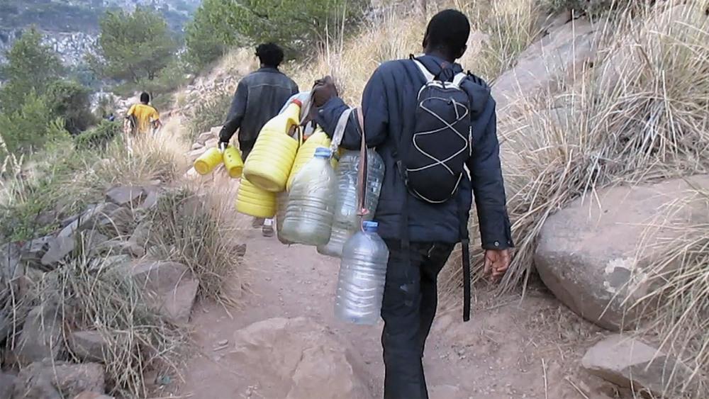 7_Bottle carriers_LES SAUTEURS.jpg