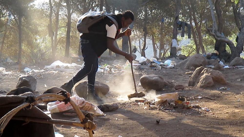 10_Mamourou D sweeping_LES SAUTEURS.jpg
