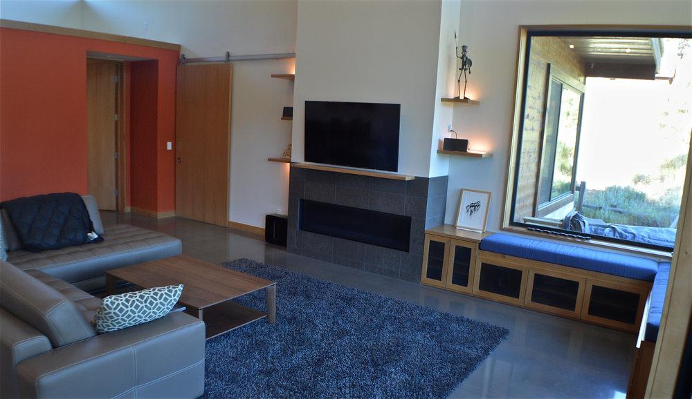 Schneir Livingroom.jpg