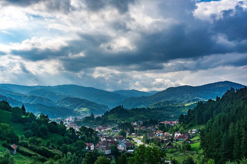 Ah, the green landscapes of the lower Carpathians.