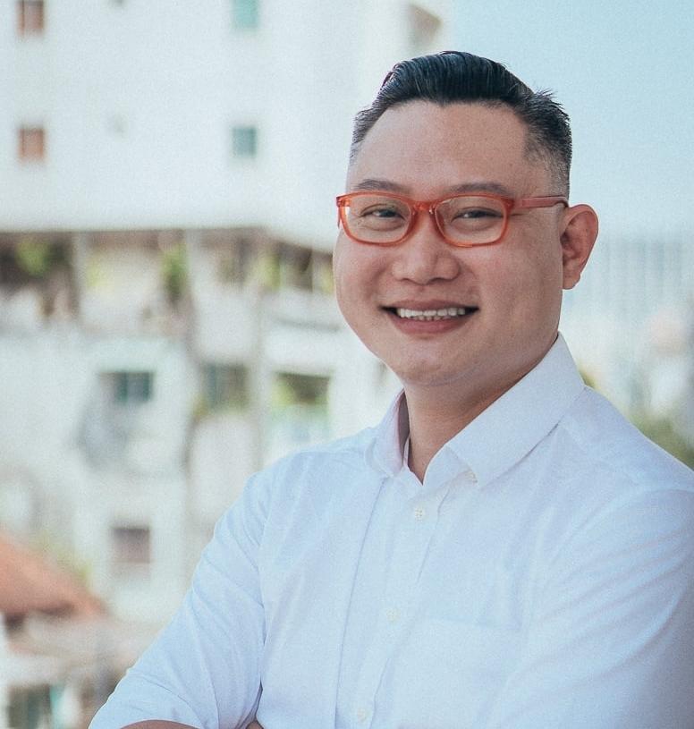 Adrian Tan - Program Director at VIISA