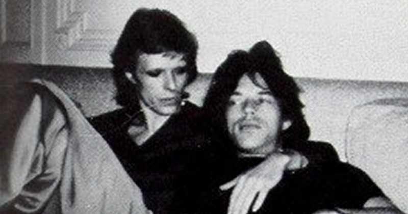 Hari Ini dalam Sejarah: Angela Bowie Bongkar Hubungan Intim David Bowie dan Mick Jagger