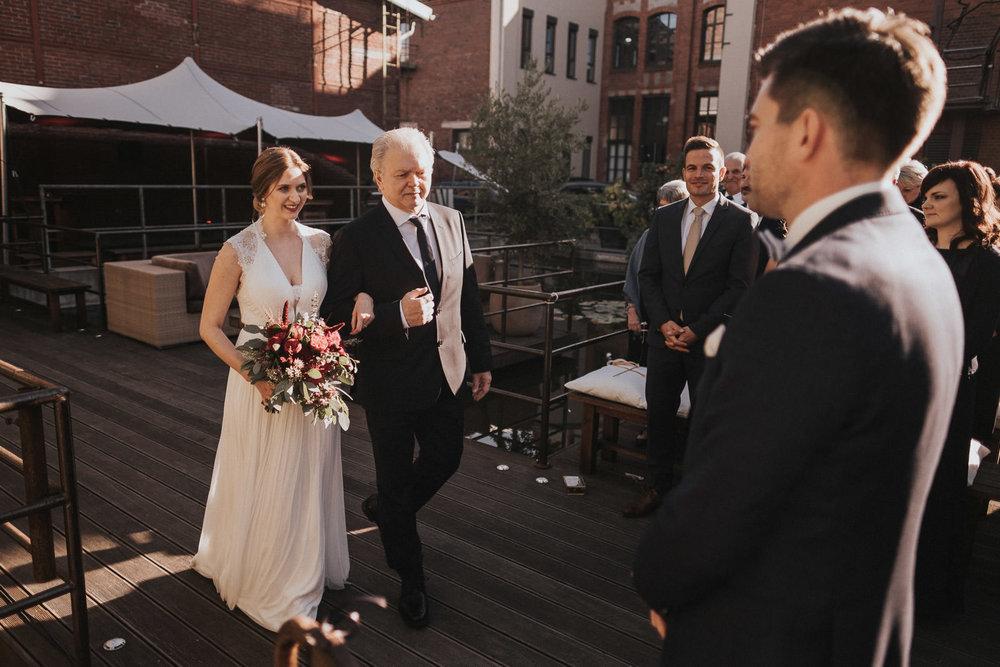 Hochzeit_Düsseldorf_Seifenfabrik_DrThompsons-0032.jpg