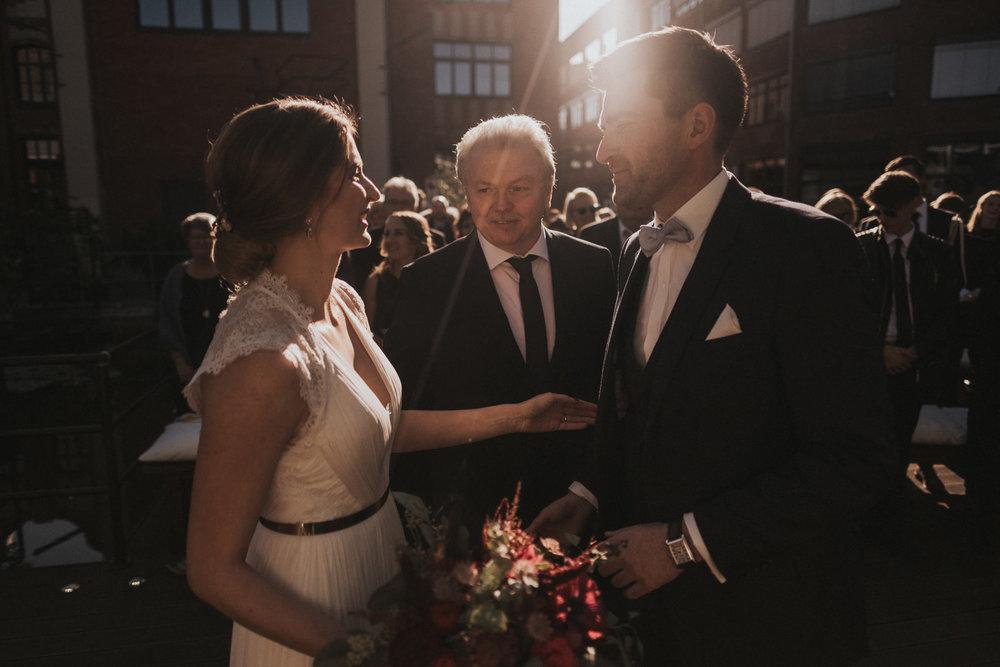 Hochzeit_Düsseldorf_Seifenfabrik_DrThompsons-0033.jpg